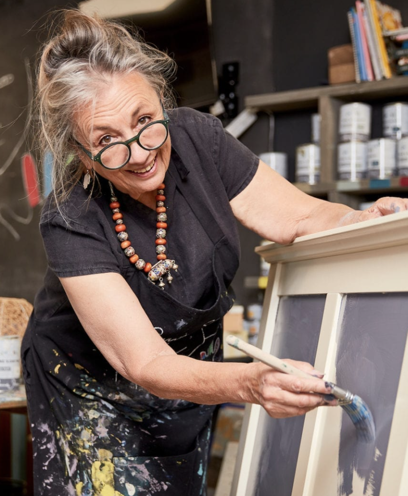 Annie Sloan painting with Chalk Paint